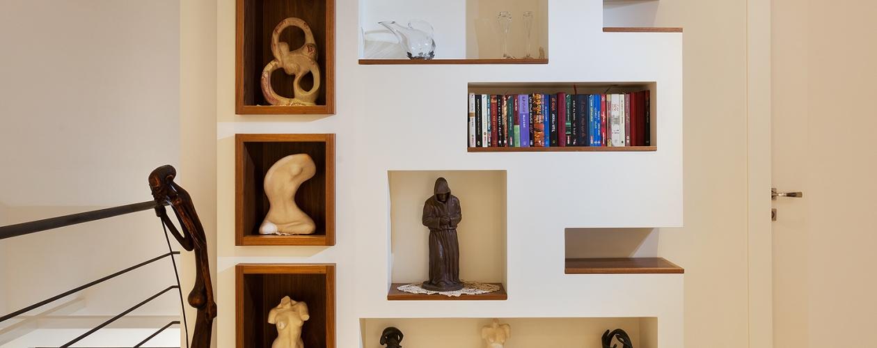 ספרייה – גמר שלייפ לק בשילוב אגוז